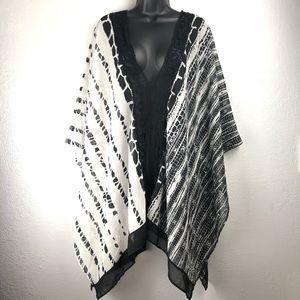 AMITA NAITHANI black and white swim shirt top XL